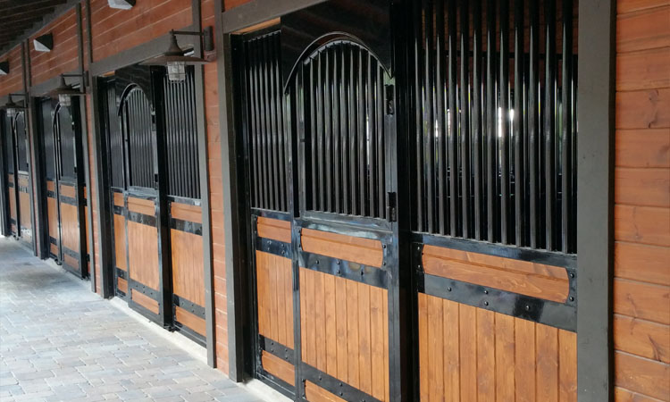 Coffman Barns Elite Series Horse Stalls